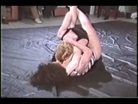 Rare & older competitive fem-fem grappling...