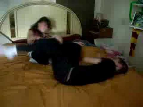 Jeffery Is a Loser, brother vs sister bed fight