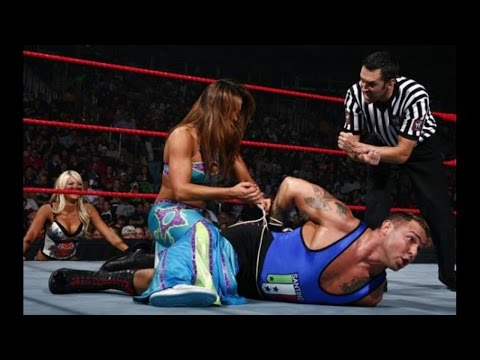 mickie james vs santino